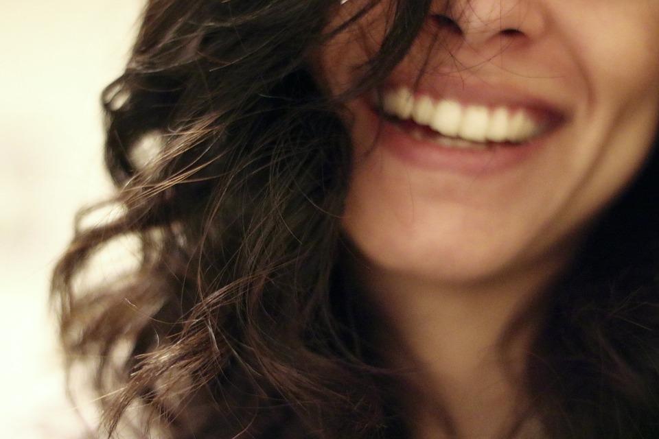empleabilidad-empleo-serendipia-sonreir-sonrisa-resultados-conseguir-logro-objetivos