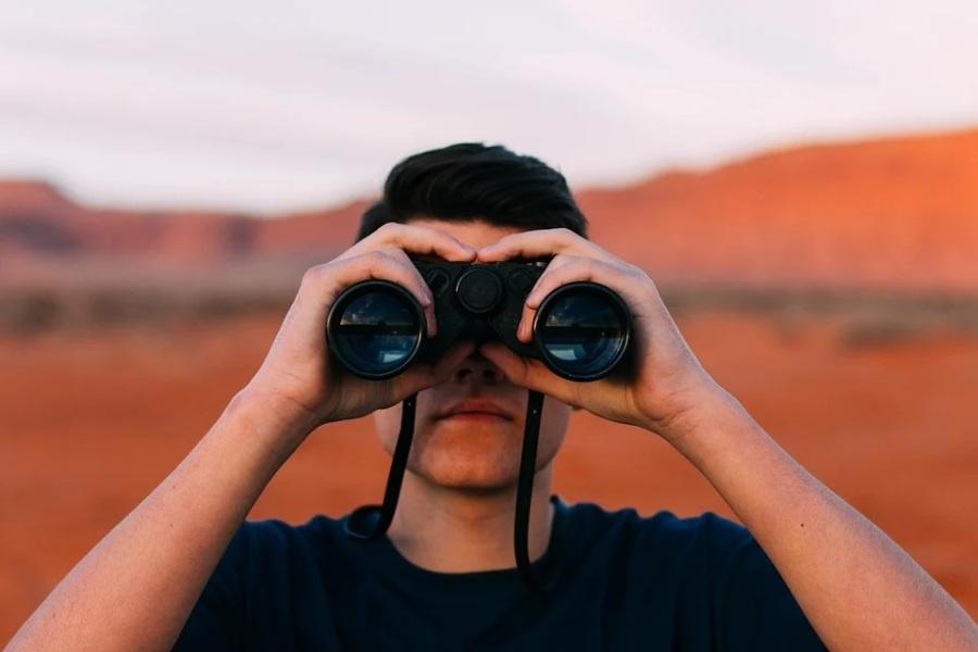 La importancia del titular y el extracto en linkedin cuando estás en búsqueda activa